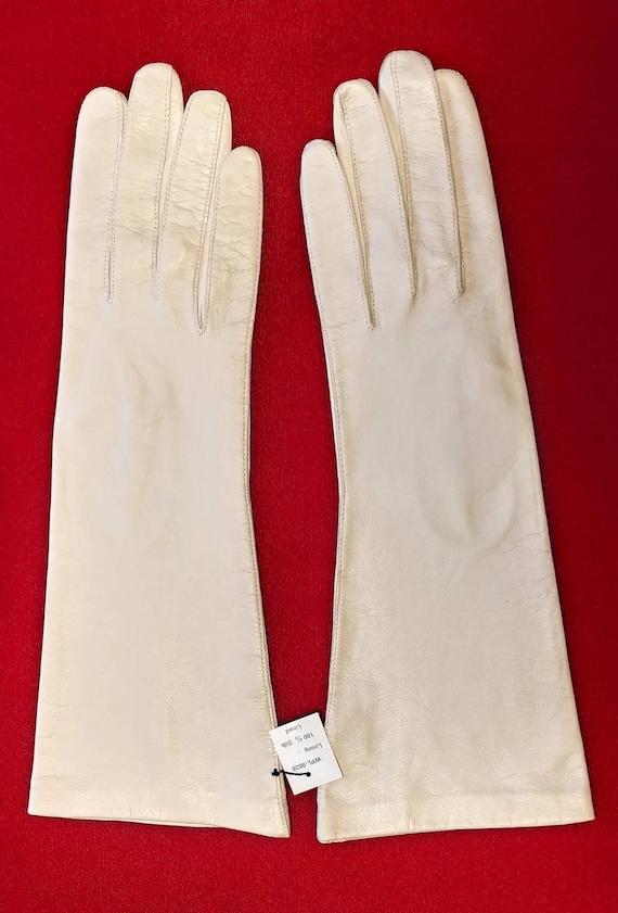 Creme Kid Gloves ~ Size 8