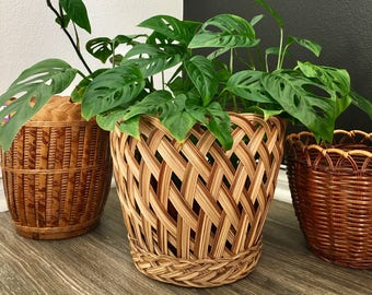 Vintage woven wicker basket planter / braided wicker planter