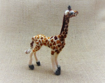 Safari Animal, Needle Felted Giraffe, Realistic Animal Collectible, Miniature Giraffe Sculpture, Felted Wildlife Ornament, Poseable Giraffe