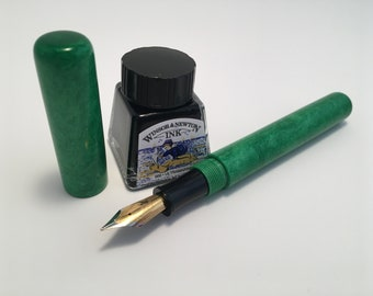 Emerald Green | Fountain Pen | Hybrid Bespoke
