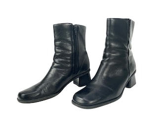 Black Leather Ankle Boots Size 7.5 EURO 38 1990s Block heel Boots 90s Minimalist Black Leather Boots Square Heel Boots Square Toe Boots