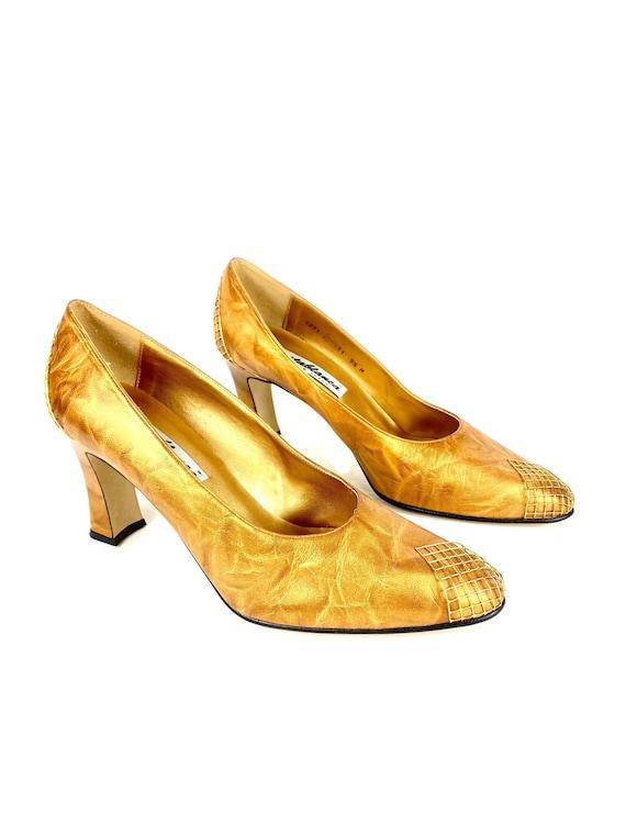 Vintage Heels | Gold Heels | 60's Spooled Heels |