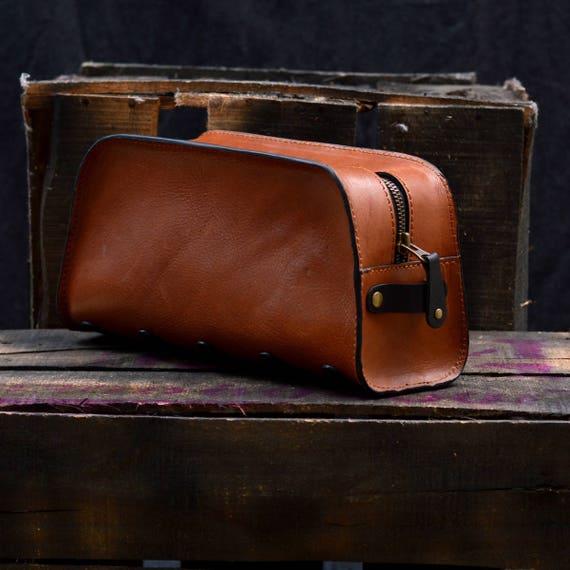 af2e04277c Groomsmen Leather Toiletry Bag