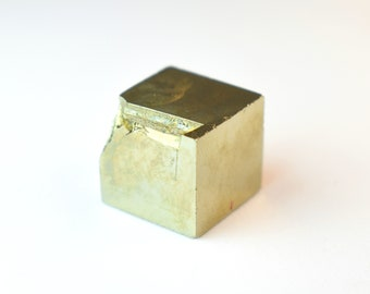 Pyrite Cube Raw Pyrite Cube Pyrite Crystal Pyrite Specimen Raw Pyrite Stone Protection Stone Metaphysical Altar Stone Gift Pyrite Fools Gold