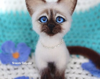 Needle felted Siamese kitten, felted cat, needle felted animals, felting toy, felt ornament, wool figurine cat, felt cat, handmade felt toy