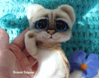 Needle felted cat, Lunar cat, felted kitten, Cat toy, felt cat, needle felted animals, felt ornaments, wool figurine cat, hand made toy cat