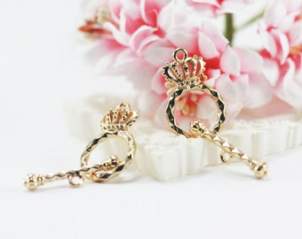 24x14mm 14k Gold plated crown toggle clasp