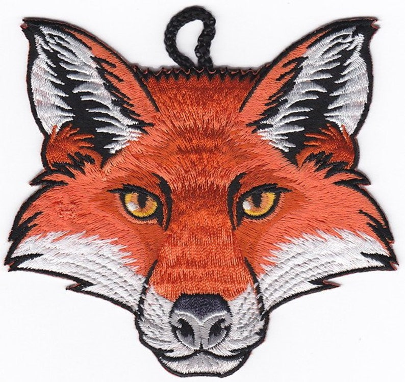 B4006 Embroidered Patch Wood Badge Gift Fox Head Critter Patch