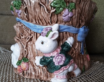 Fitz & Floyd   ~ Bunny Bloomers Planter ~