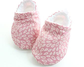 Blush Pink Baby shoes, baby shoes girl, soft sole, baby booties, baby boots, toddler shoes, baby girl shoes, baby moccasins,  dusty petals