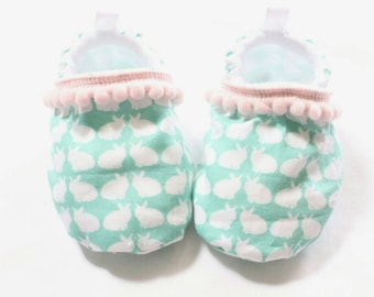 bunny pink pompom baby shoes, baby shoes girl, soft sole booties, pink pom shoes, aqua bunnies