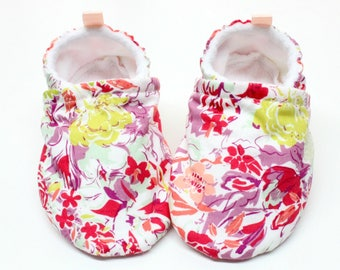 Wildflower shoes, baby shoes girl, soft sole, baby booties, toddler shoes, baby girl shoes, abstract flowers