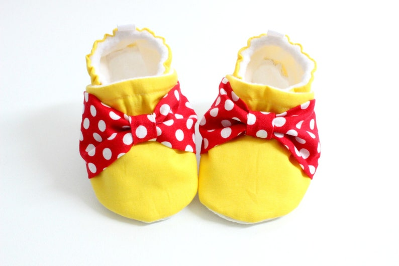 fa70a1d6aa583 Bow Baby Shoes soft sole shoes for babies pre-walkers