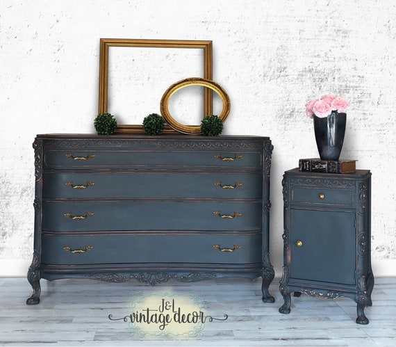 SOLD!! Dresser and nightstand set, Vintage, Bedroom Furniture, Hand Painted