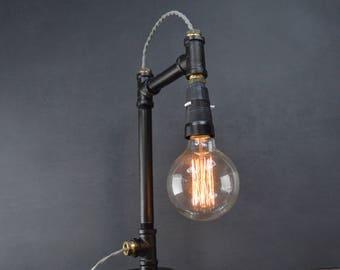 AMPERE black on black pipe lamp