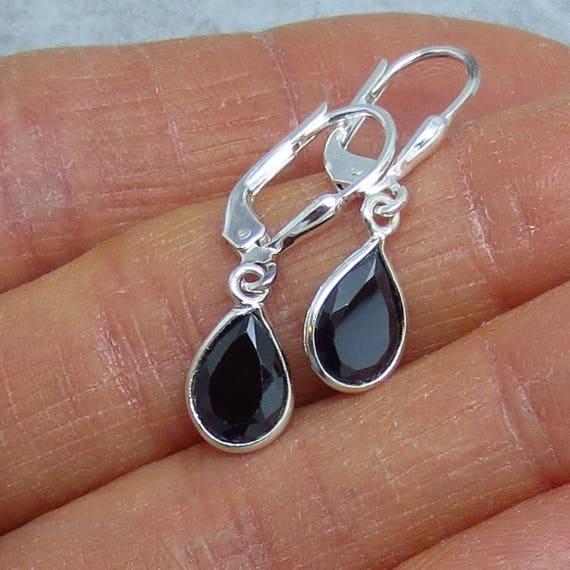Vintage pear shape teardrop black Onyx sterling silver leverback earrings