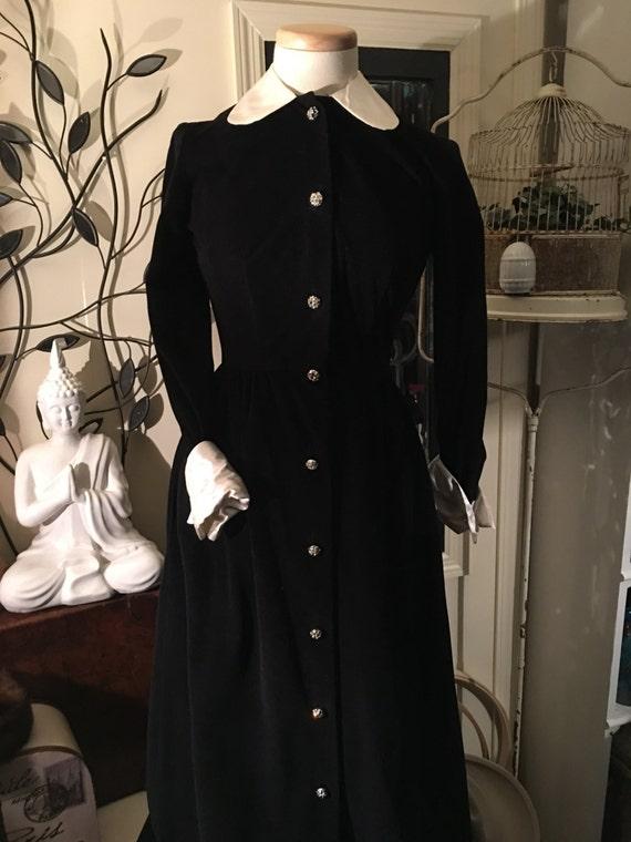 Vtg Black Dress,Black Velour Full-Length Dress, 19