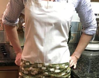 Calico apron with sheep print pocket