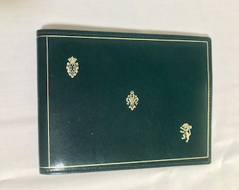 elegant wallet leather vintage Italy green Never Used 12 x 9.5 cm