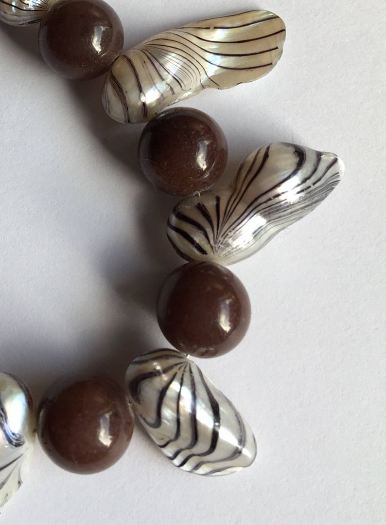 Coffee agate and mother of pearl collar