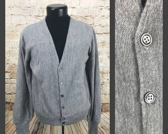 71a99276cfe80 Men s Vintage Cardigan - Mens vintage clothing - Gray cardigan - Large  vintage sweater - Puritan - button down - long sleeved grandpa