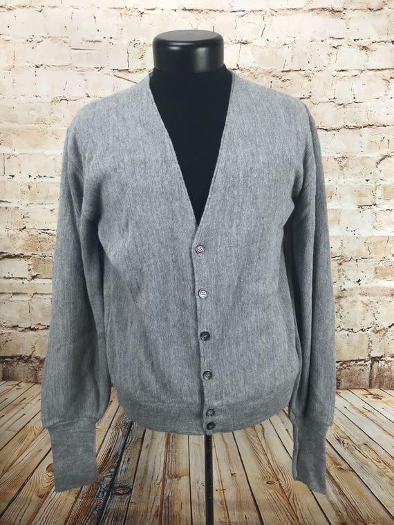 Papy à manches longues de puritain - bouton le vers le bouton bas - de cardigan gris - grand pull vintage - de le Cardigan Vintage - vêtements vintage pour homme - homme fd485f