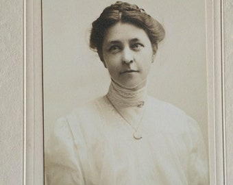 Edwardian Cabinet Card, Young Woman Portrait, Embroidered Lace Collar, Photograph, Antique, Hair, Ancestor, Style, Woman