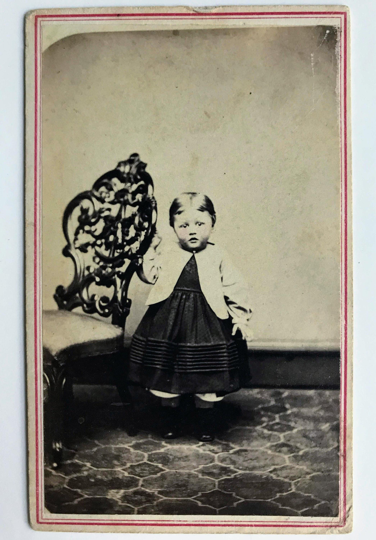 Victorian Tinted CDV Carte De Visite Photograph Of An