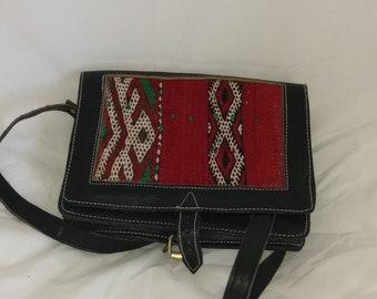 b25b2980bd1 Kelim en lederen hand gemaakt Marokkaanse tas
