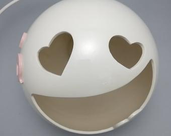 HEART-EYES SMILEY