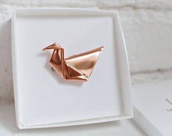 Handmade Jewelry: Copper Origami Swan Brooch /Copper Pin/ Modern /Origami Fold/ Minimalist Jewellery/