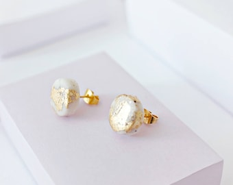 Marble and Gold Leaf Stud Earrings, Handmade Circle Studs, Polymer Clay, White Marble, Gold Leaf Jewellery, Minimal Earrings, Gift for her