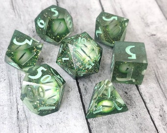 Green Dragon with Green Eyes: Chromatic Dragon Series