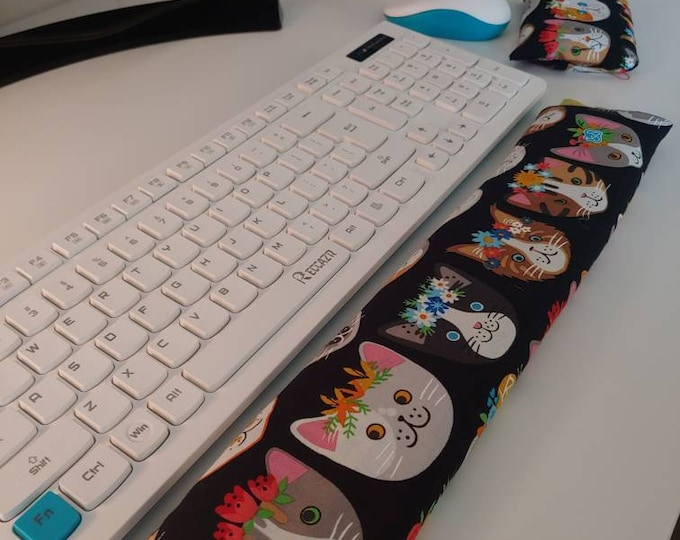 Kitty stylish and  comfortable Keyboard and mouse computer wrist rest support