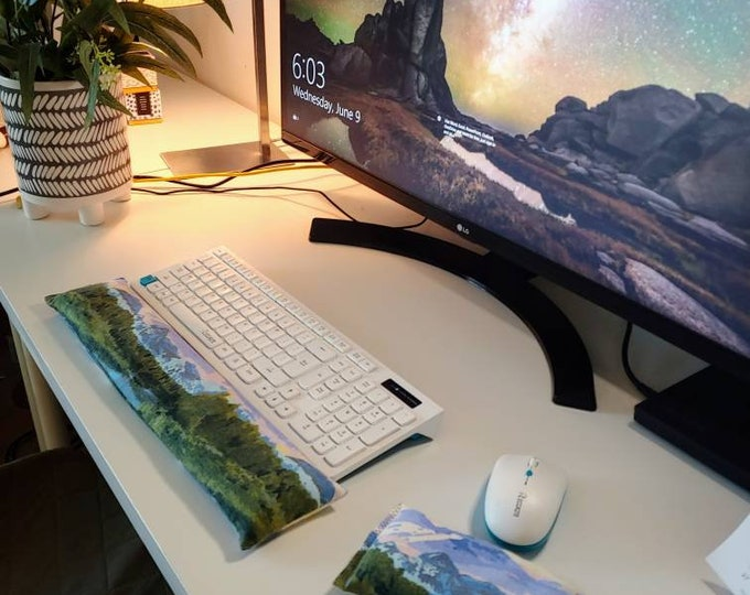 Majestic Mountain  stylish and  comfortable Keyboard and mouse computer wrist rest support- All Natural
