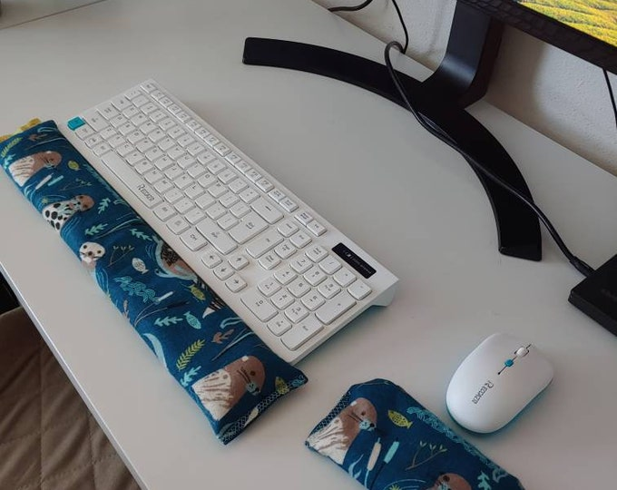 River Otter comfy Keyboard and mouse computer wrist rest support