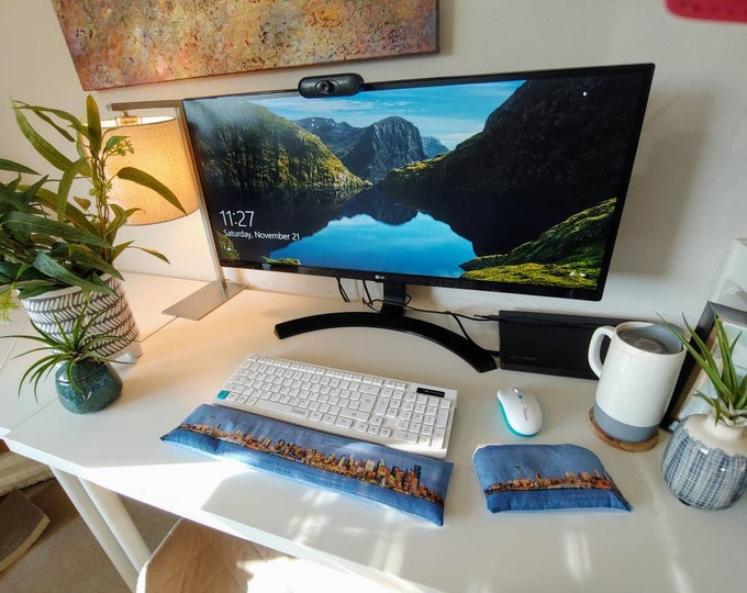 Iconic Seattle Space Needle Skyline comfortable Keyboard and mouse computer wrist rest support- All Natural