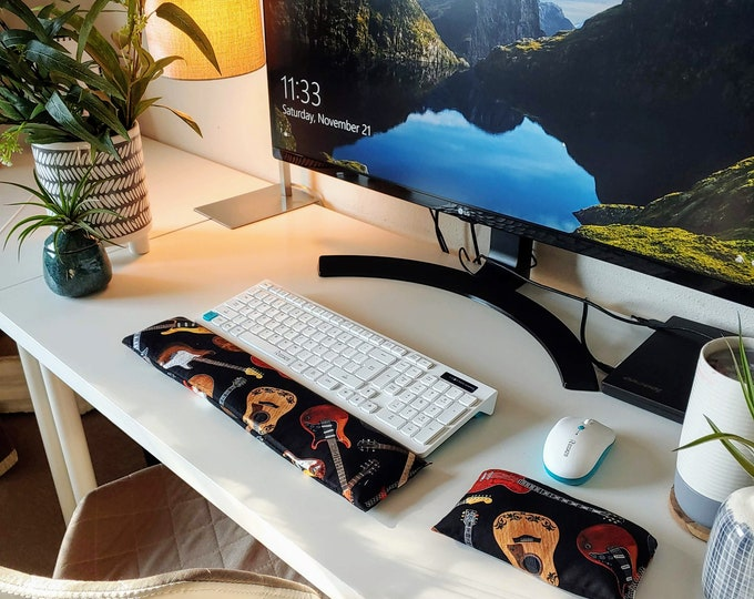 Guitar comfortable Keyboard and mouse computer wrist rest support