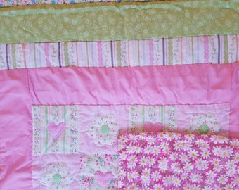 Hearts & Flowers Baby Quilt