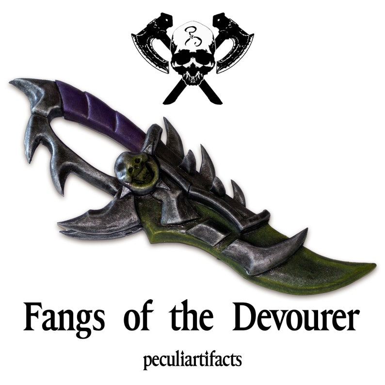 Cosplay  World of Warcraft  Fangs of the Devourer Arifact image 0