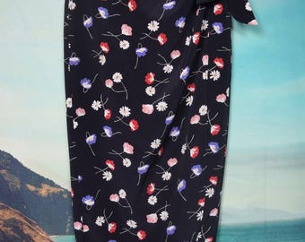 Vintage 90's high waisted floral wrap skirt sz M