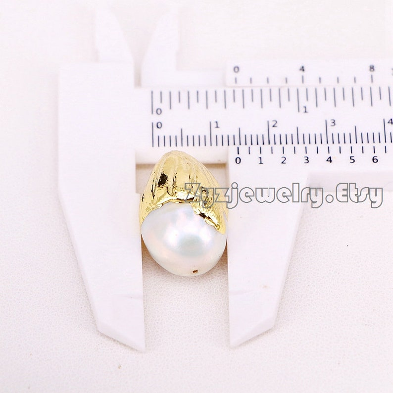 610pcs Gold Copper Electroplated with White Pearl Drop Pendant Beads Accessories