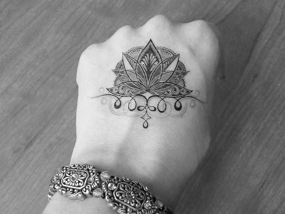 2 Tymczasowe Tatuaże Kwiat Lotosuulotne Tatuażefake Tattooblack