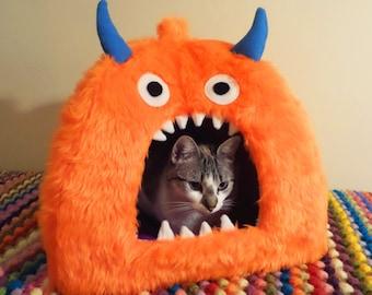 Monster Pet Bed, Cat Cave, Cat Igloo, Pet Furniture, Cat Toy, Pet Owner Gift, Cat Lover Gift, Cat Gifts, Pet Supplies, Cat Bed, Pet Tent