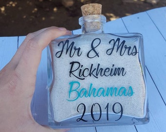 Sand bottle - sand jar - honeymoon sand bottle - wedding day sand bottle - sand keepsake - beach keepsake - sand holder - Mr and Mrs sand
