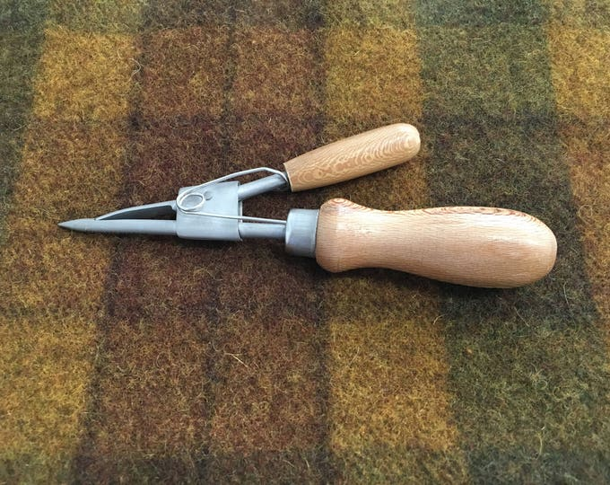 Spring Prodder Tool used in Rug Hooking