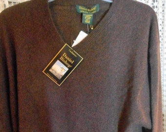 100% CASHMERE Sweater   Size Large    by Daniel Bishop    Never Worn,    Still with tags still on
