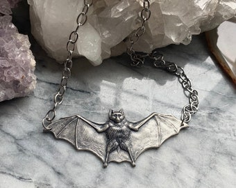 Glow Bat Skull /& Succulent Pendant Necklace