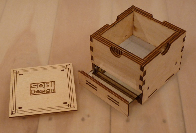 Wooden Kief Box Pollen Sifter