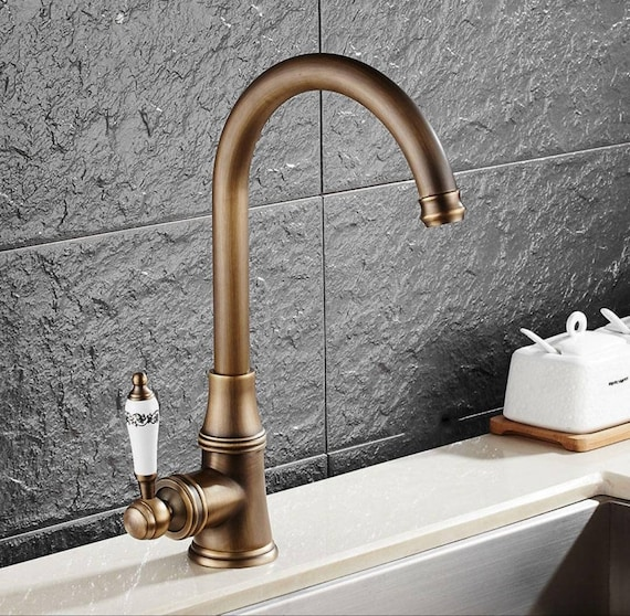 Retro Single handle Brass Made Antique Kitchen faucet New and working  condition
